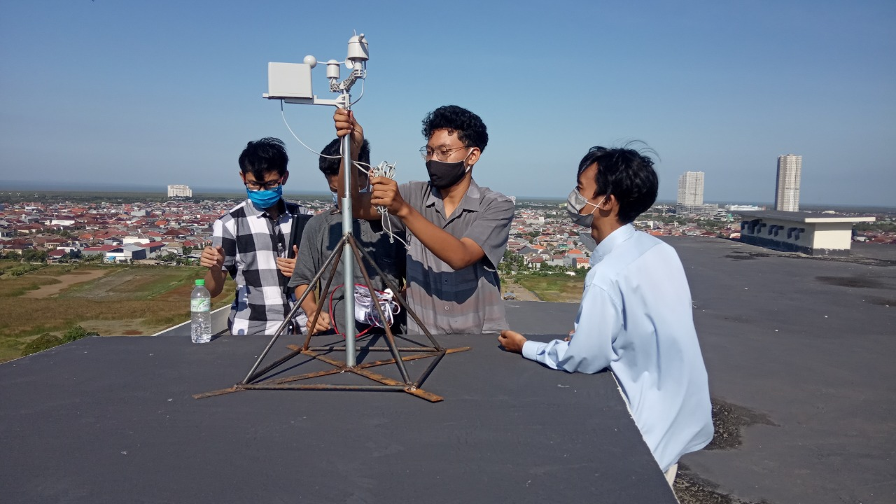 AirFeel V.2 : Inovasi Dosen Teknik Elektro yang Mampu Memantau Kondisi Cuaca dan Gas Polutan Berbasis Aplikasi Website